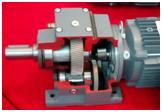 小模数齿轮20CrMnTi材料大模数锻造制造,采用表面渗碳、高频淬火、磨齿工艺,减速机齿轮采用瑞士Reishauer磨齿机磨齿,齿轮精度5级,啮合精度高、噪音更低寿命有保障。